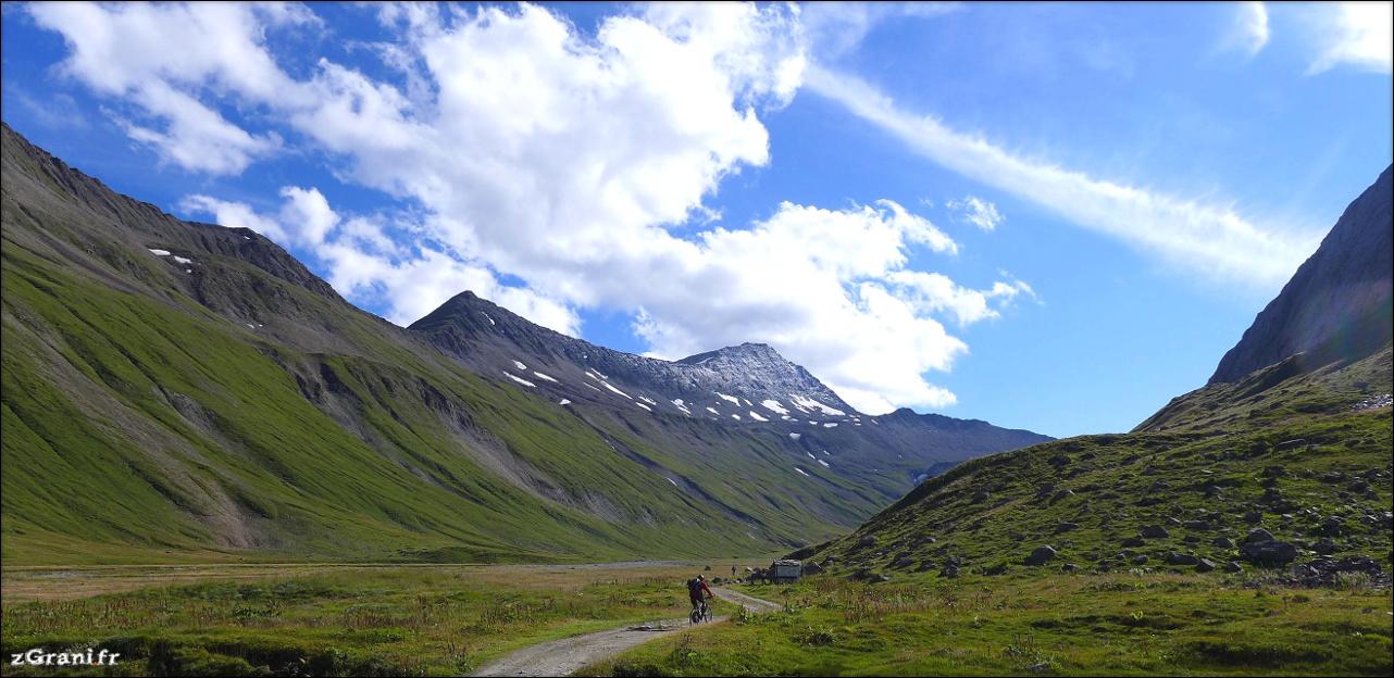 Przepastne alpejskie doliny